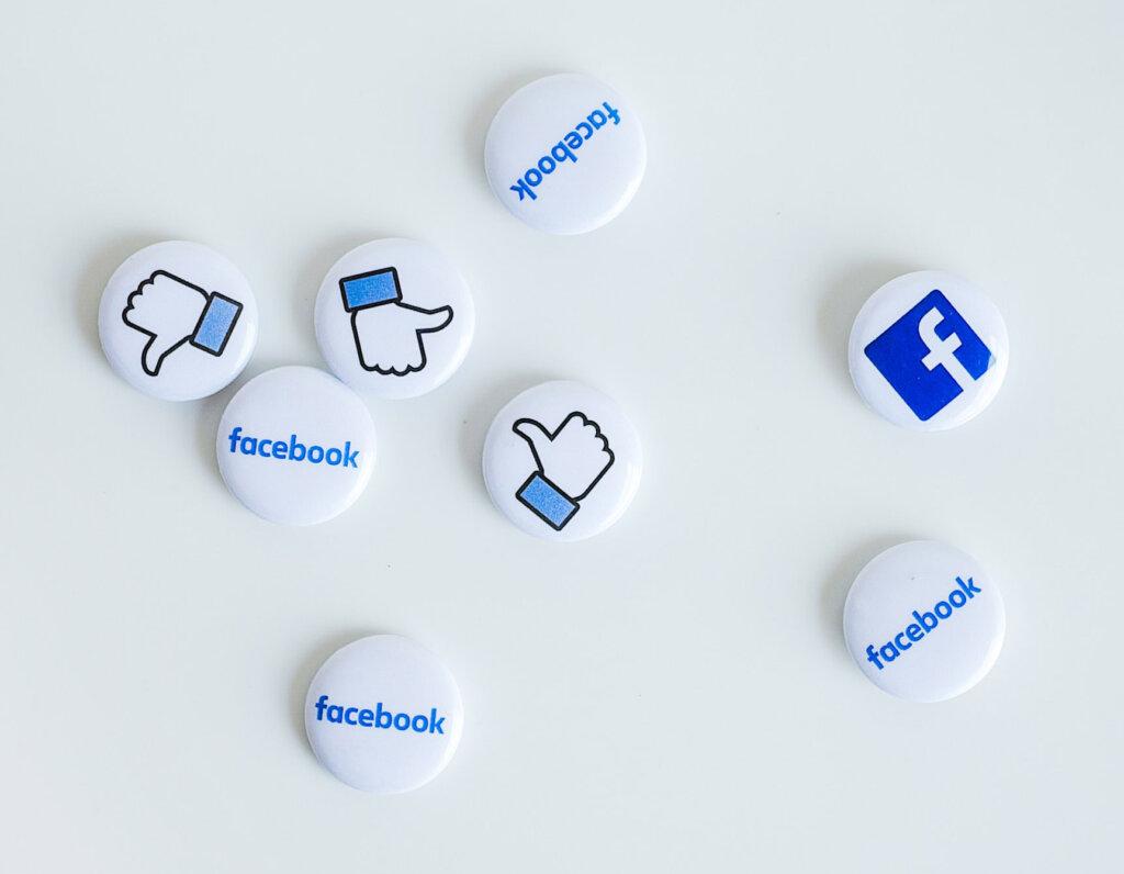 Facebook buttons neonbrand unsplash