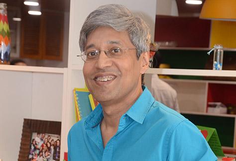 Radio in India Provides Support Amid Virus Surge