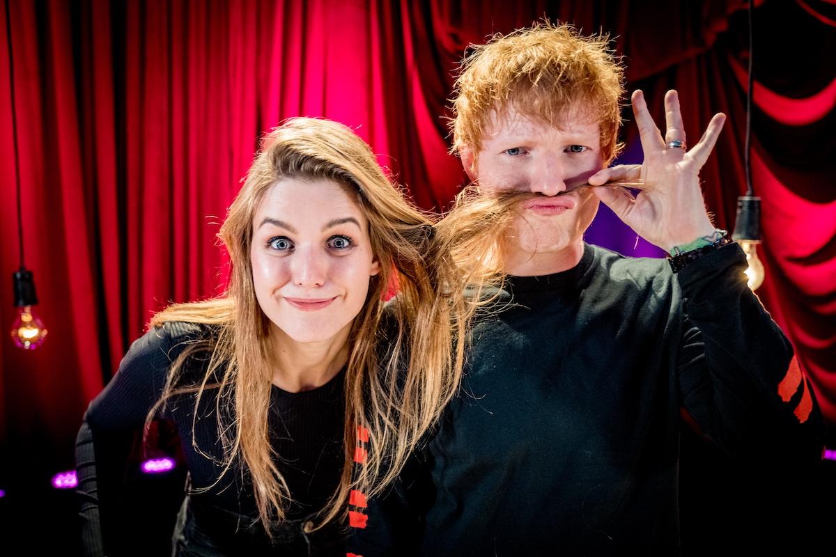 Ed Sheeran with VRT journalist Siska Schoeters during his special De Warmste Week concert.